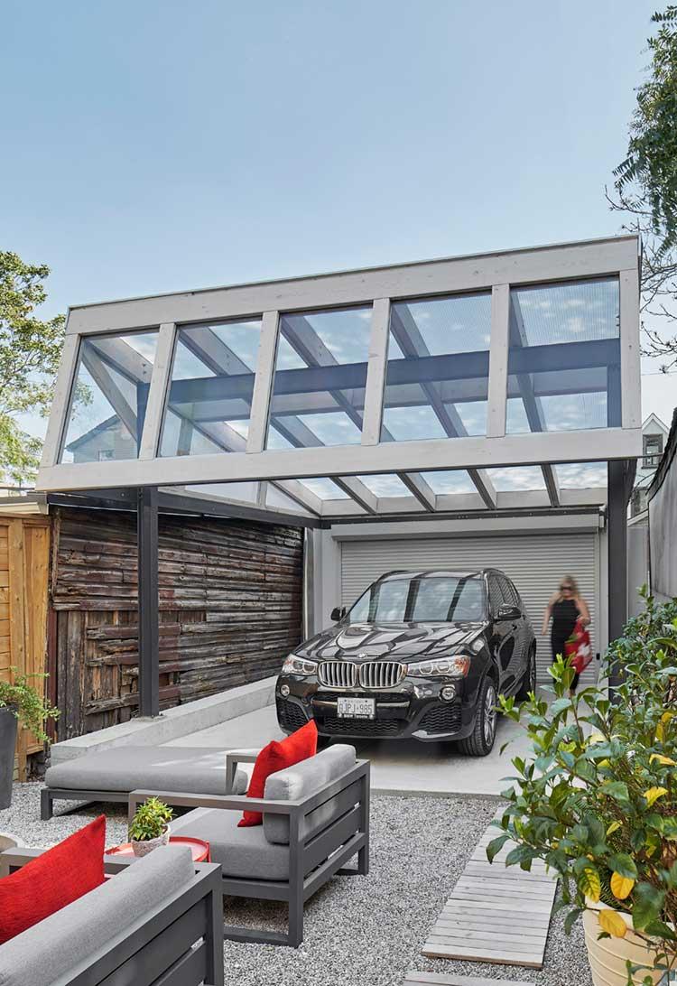 Modern Carport Garage: Toronto-based Modern Architecture Firm